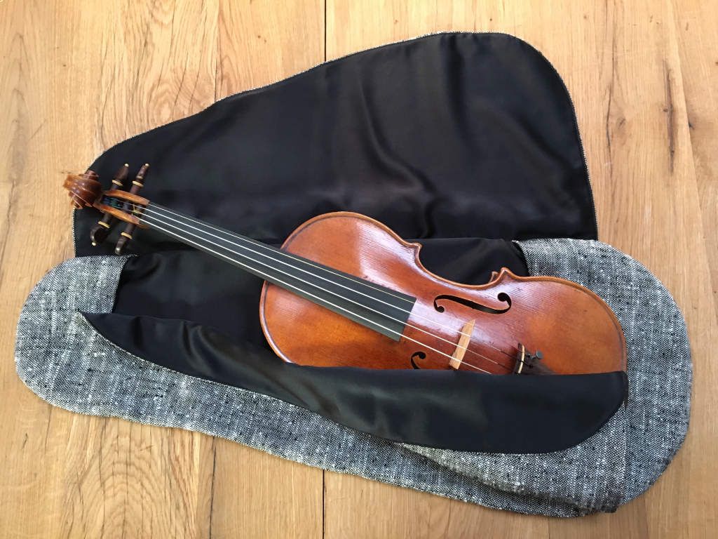 Violin Cocoon Winter Deluxe